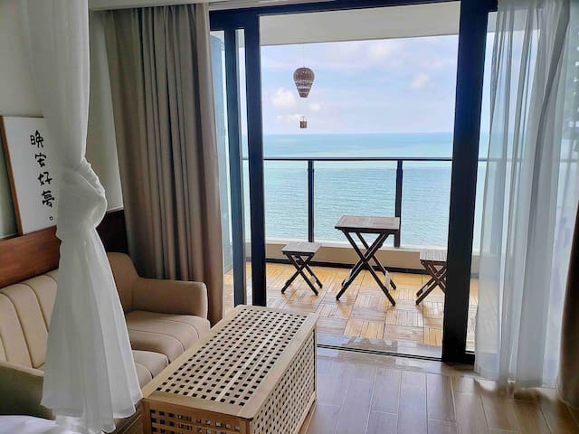 【Holiday】保利金町湾玥海 高层超一线海景 楼下沙滩  『直面大海』  大床房 日式公寓