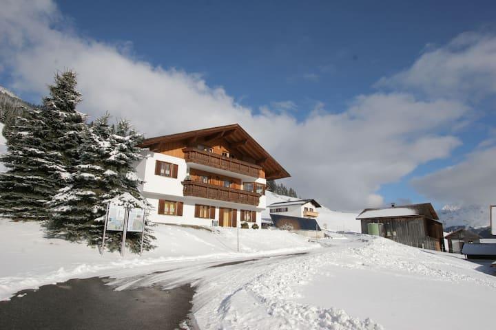 Appartement cosy près du domaine skiable de Bartholomäberg