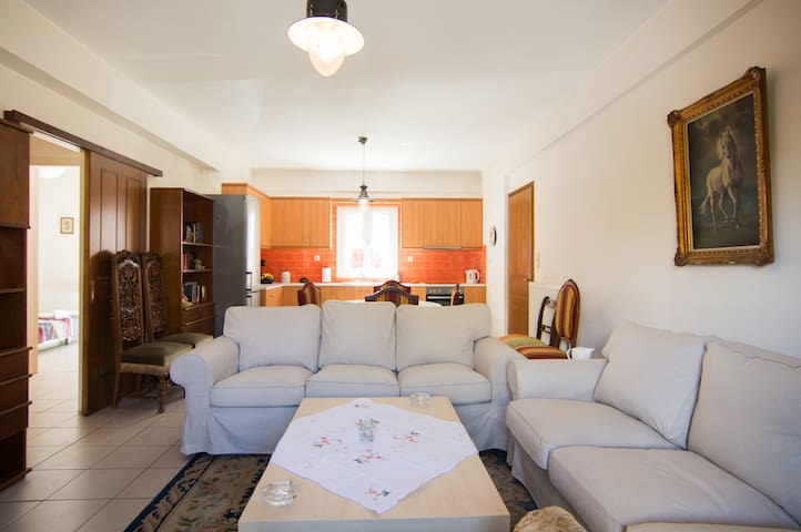 Luxury Bj Apartment Aegina Town - Egina - Daire