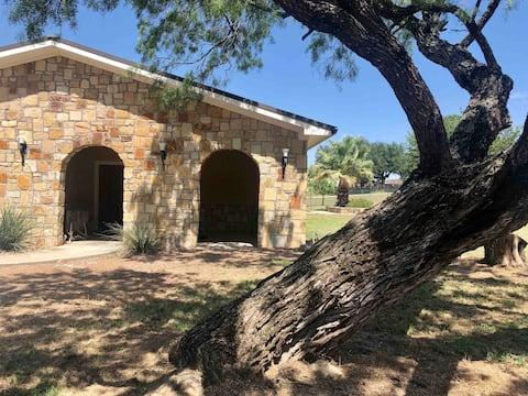 The Little Pine: Rustic, Luxury Getaway