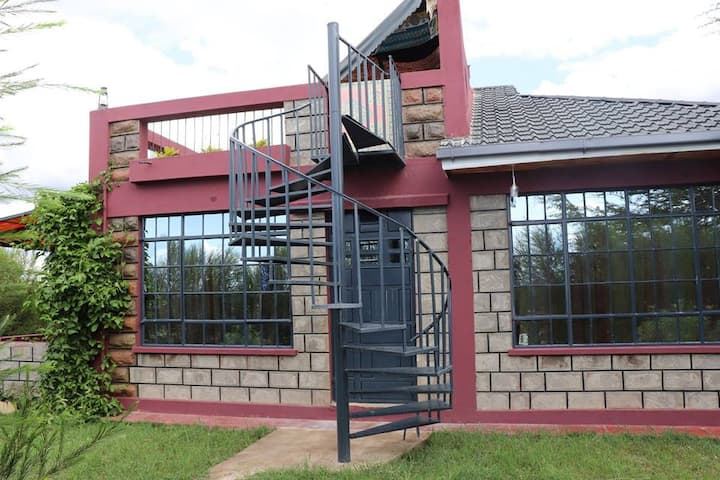 Laviniah Farmhouse- Kitengela Kisaju Accommodation