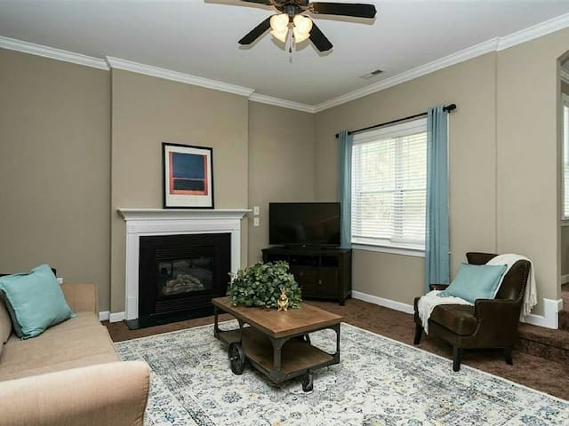 Spacious Raleigh Area Home - Fuquay Varina - Appartement