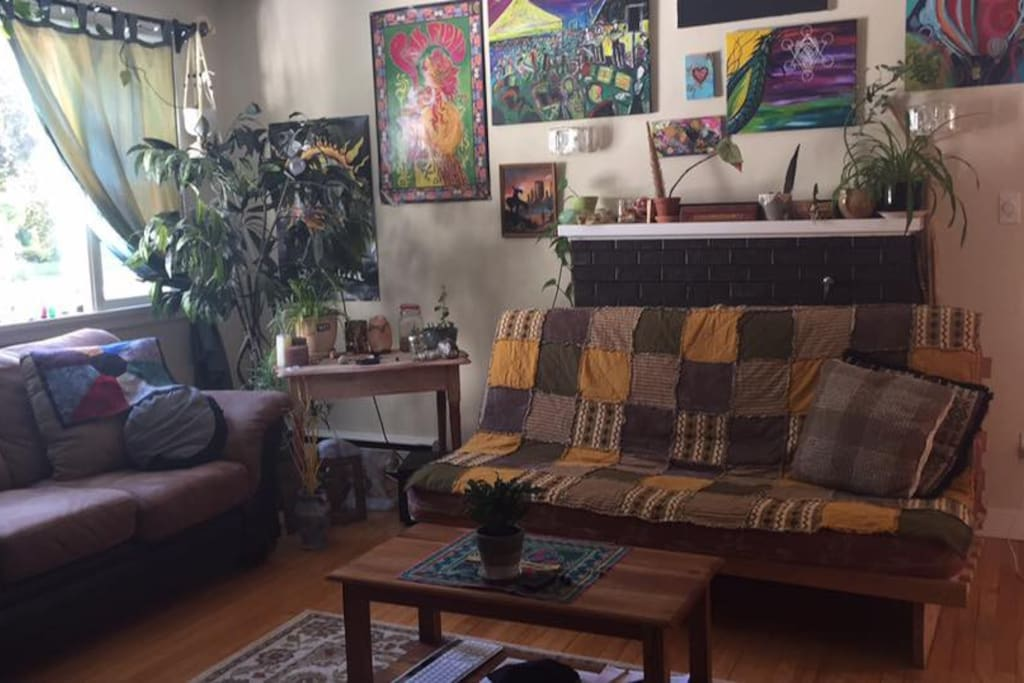 Living room (featuring couch and futon)