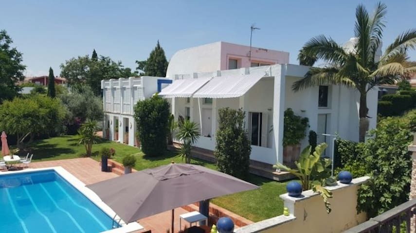 Casa Arena Sevilla Bed & Breakfast