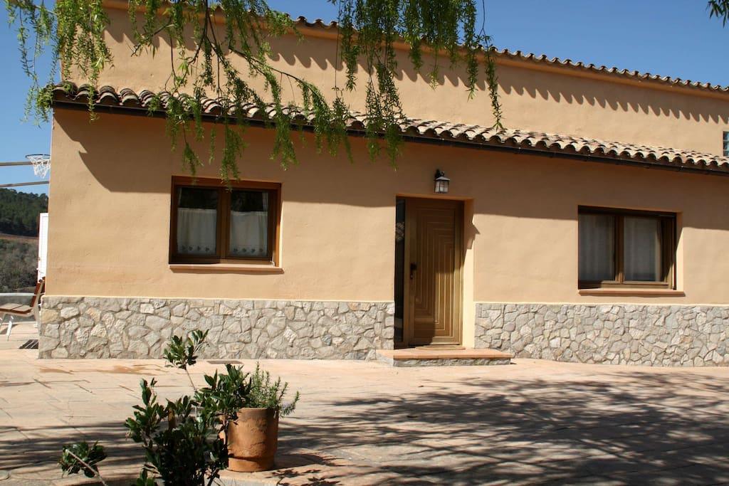 Fachada principal casa l'Avenc