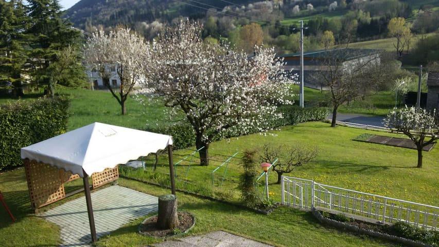 Villa privata a due passi dal Lago d'Iseo - Solto Collina