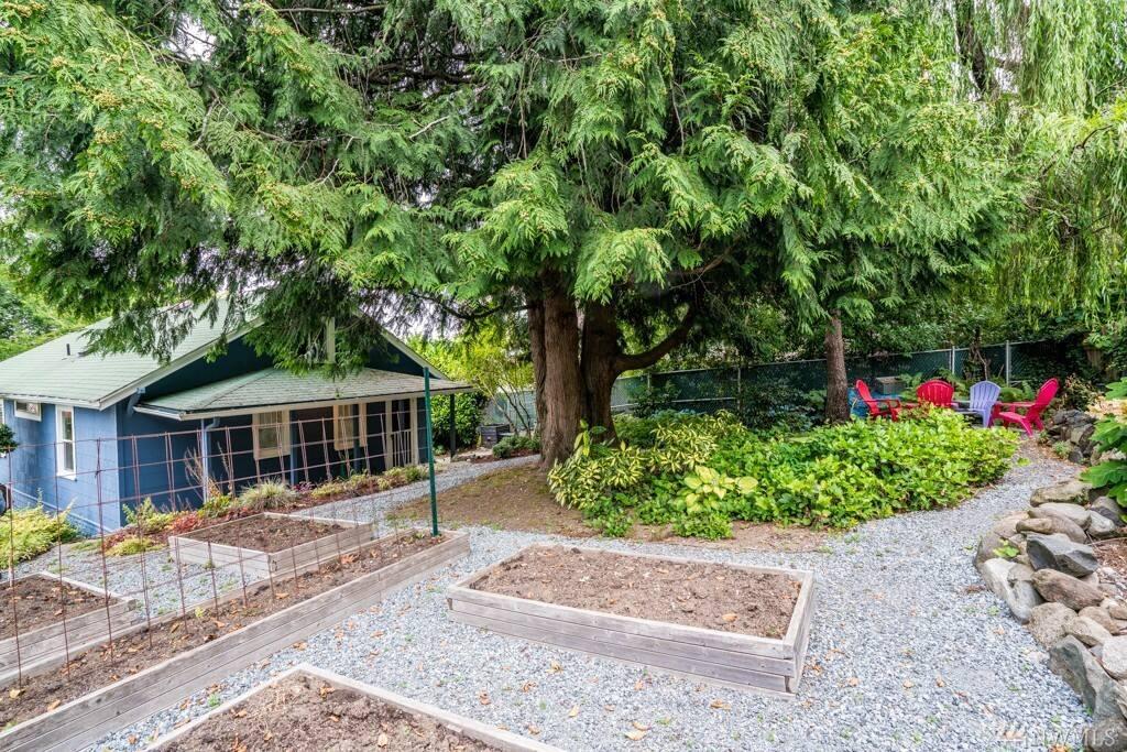 backyard facing to back door