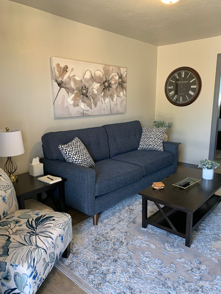 Stylish Clean Comfortable Apt. in Central Lawton