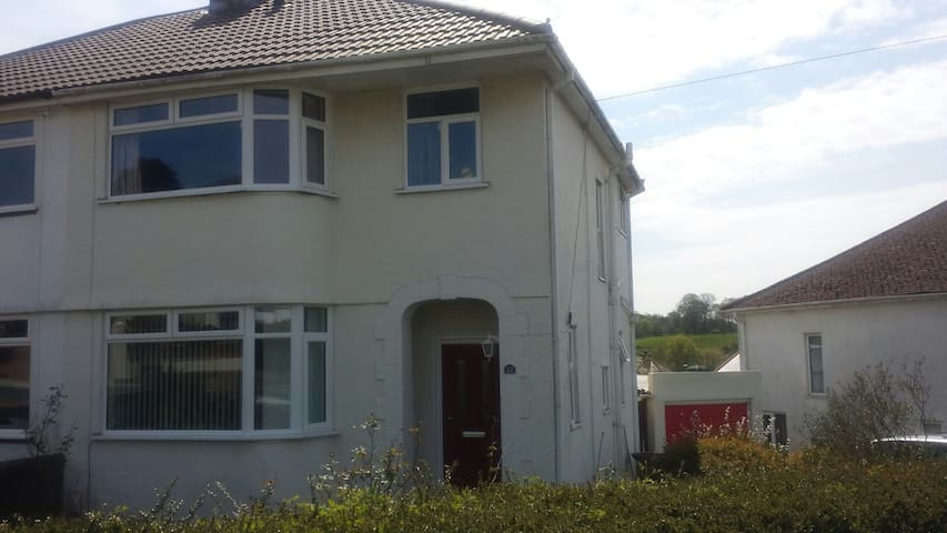 A lovely house in a lovely area. - Plymouth - Bed & Breakfast