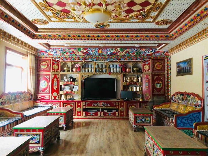 古尔沟 丘地藏寨 柯苏藏家 免费藏服体验(临近古尔沟温泉、毕棚沟景区 、鹧鸪山滑雪场)