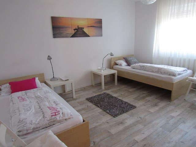 Neu renovierte Gästezimmer bei Volkach am Main - Kolitzheim - Pis