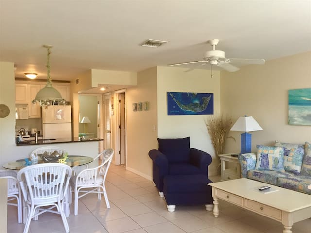 Sanibel Arms Condo, A2