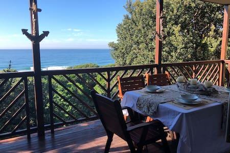Stunning view/direct beach access