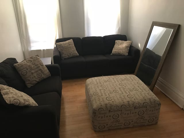 Cozy 1 bedroom Minutes from Downtown