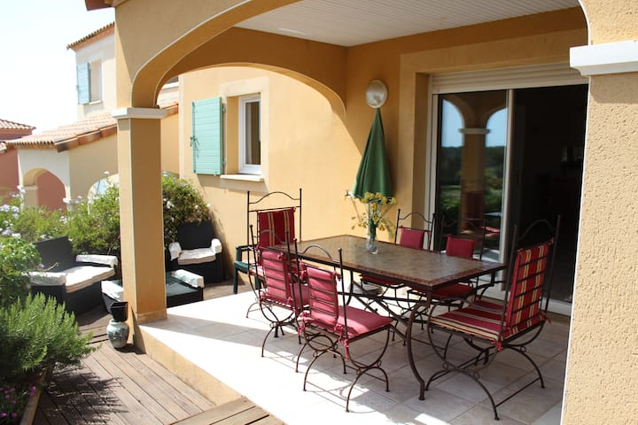 South of France Spacious Apartment - Béziers - Lejlighed