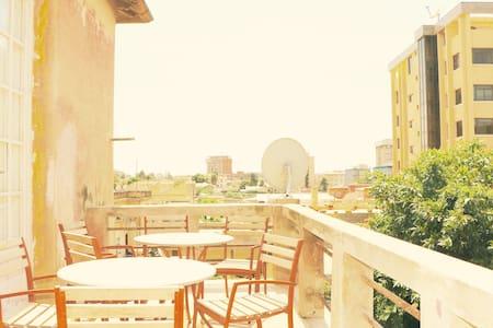 Lovely 2-bedroom serviced house in central Asmara! - Ház