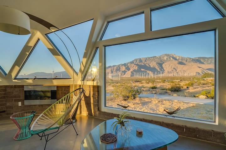 LARGE PALM SPRINGS DOME HOUSE WITH AMAZING VIEWS