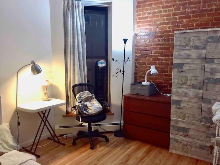Fully furnished Private room in Upper West Side!