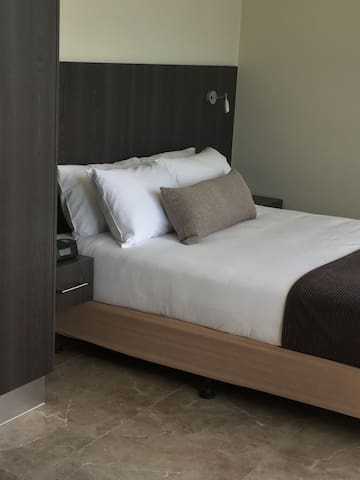 Studio apartment - great bed to relax & enjoy - Cairns City - Wohnung