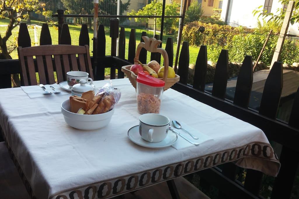 Grazioso balconcino sul giardino di proprietà