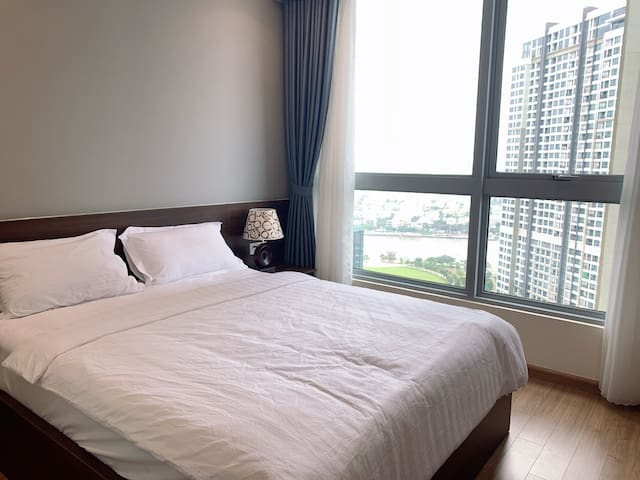 Free pick up airport-3BR Vinhomes Central    Park