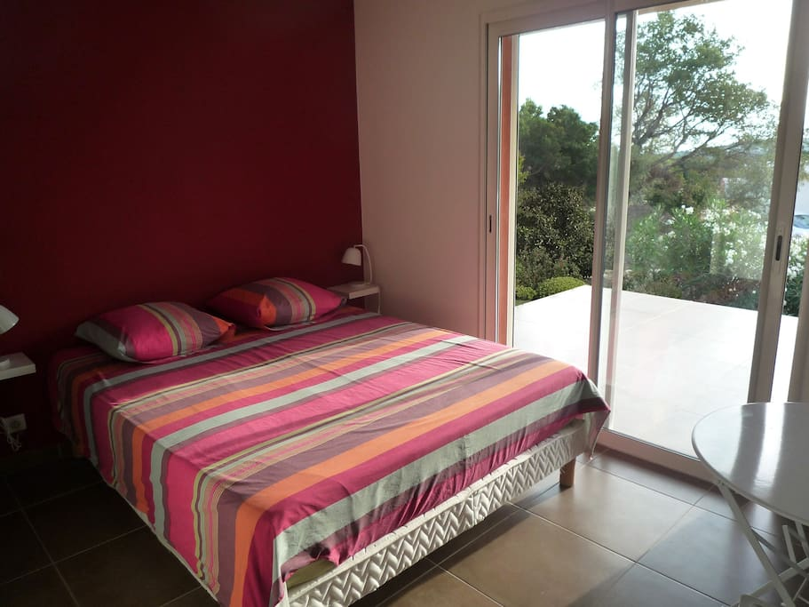 chambre 1 RDC / terrasse