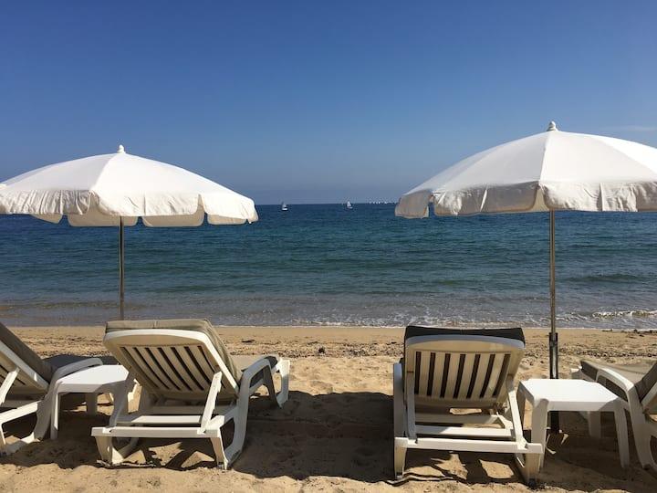 Côte d'Azur-Meublé de tourisme 4**** Front de mer