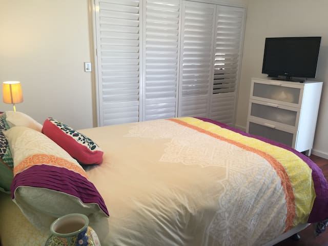Resort style apartment - Melville - Pension
