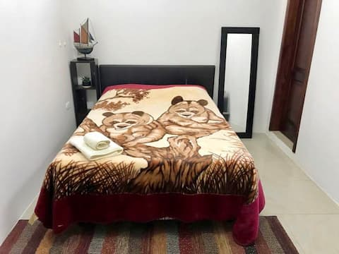 Dormitorio ideal en amplio departamento #3