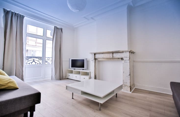 City Center Large 3 bedrooms apartment