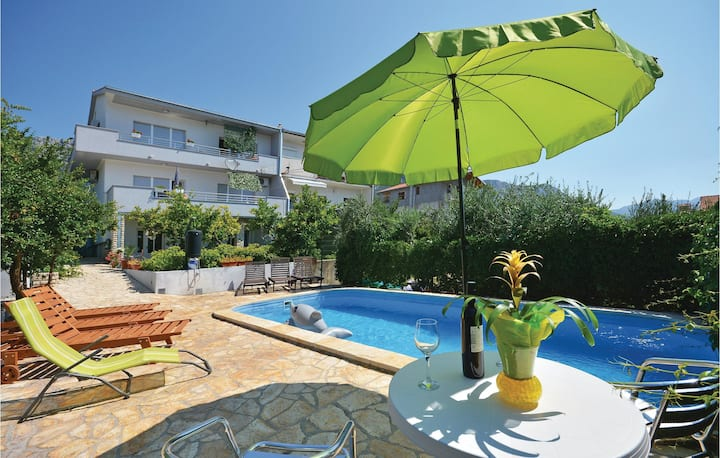 Beautiful home in Kastel Sucurac with WiFi and 1 Bedrooms