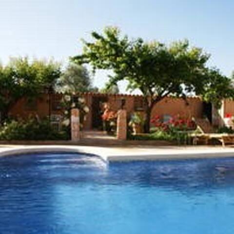 Villa en Almagro alquiler integro piscina privada