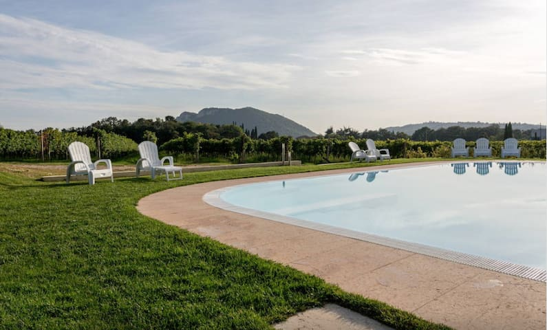 Ancient farmhouse with pool  (1) - Rivoli veronese - Bed & Breakfast