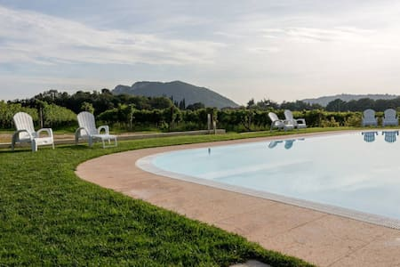 Ancient farmhouse with pool  (1) - Rivoli veronese