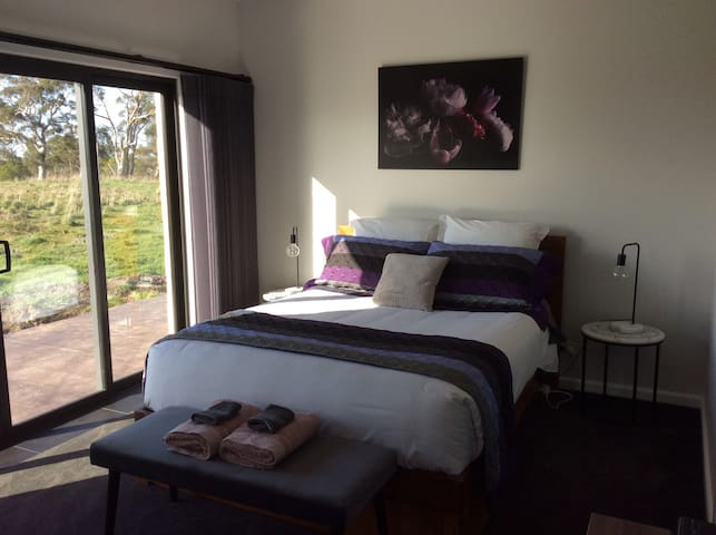 Farmstay: Lakes and Craters  Family Accommodation