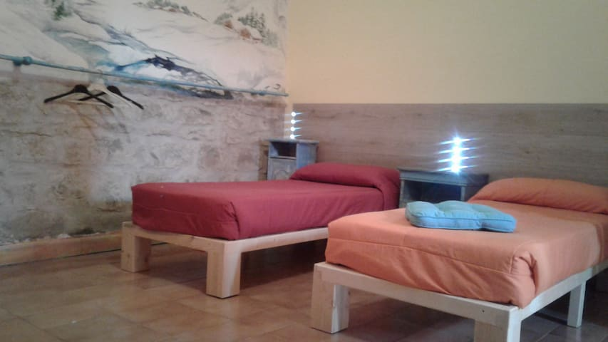 Camera  da letto con letti singoli - Gergei - Bed & Breakfast