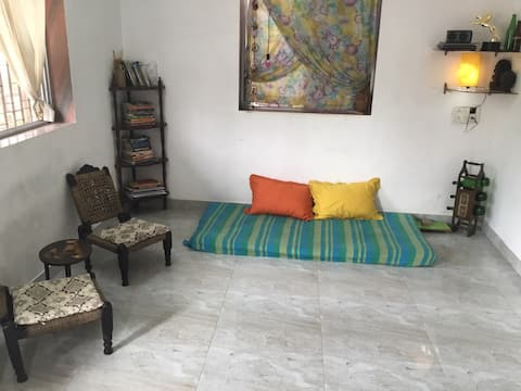 Cozy Studio 5 minutes from Madh island Jetty