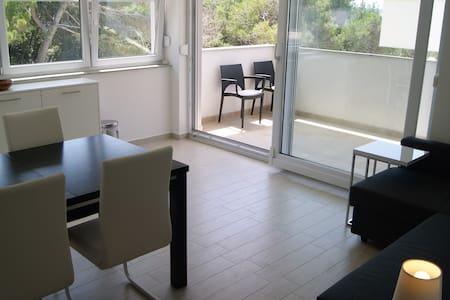 Apartment Vary, Šimuni (Simuni), Pag, Croatia