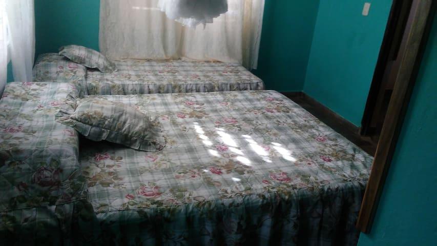 Teresa House - Cian room