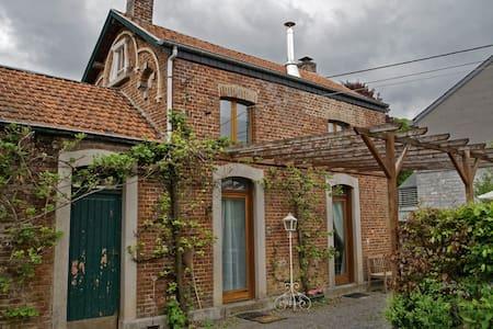 Gîte Bucolique, La Belle Epoque - Durbuy - Дом