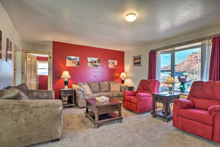 NEW! Kanab Abode w/ View: 6 Mi to Little Hollywood