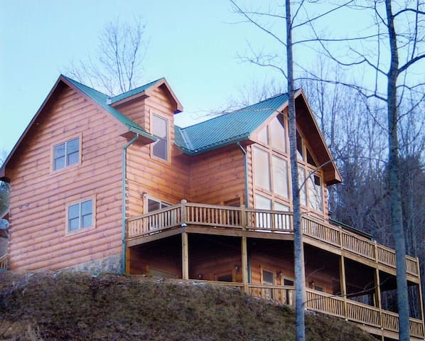 The Ultimate Watauga Lake Log Home - Butler - Cabin