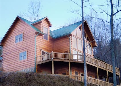 The Ultimate Watauga Lake Log Home - Butler - Kabin