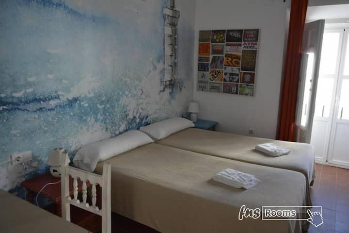 Alquimia Hotel Albergue Cadiz - Familie 4 pax. Privates Badezimmer - Nicht erstattbar