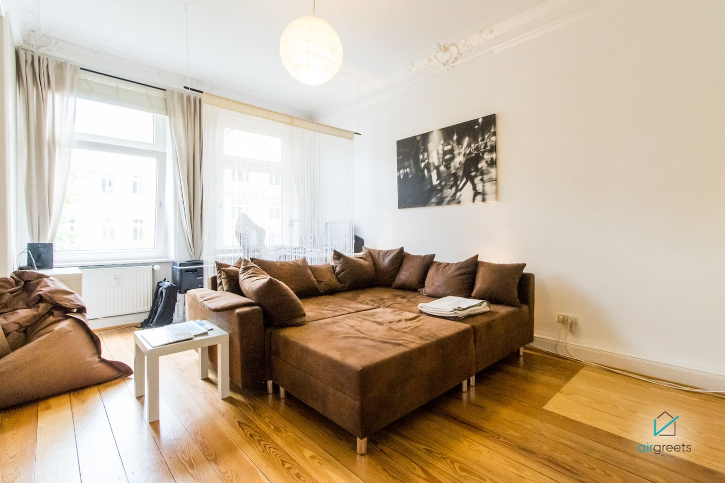 Cozy, light-filled apartment, ready for your stay!