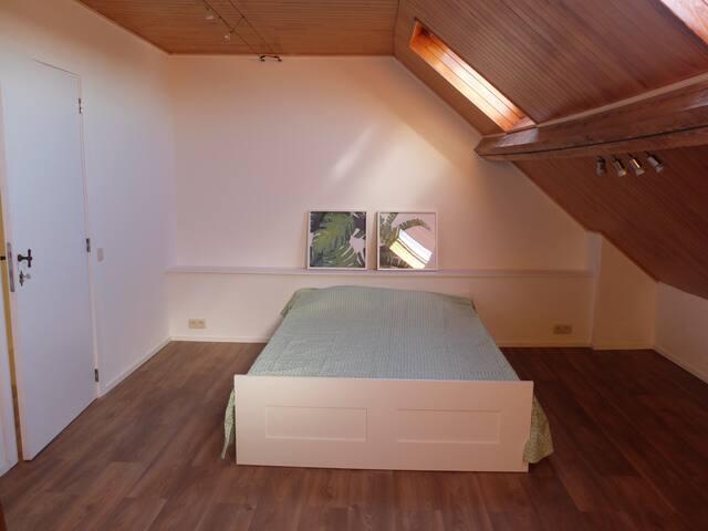 """""""Wood"""" Room"""