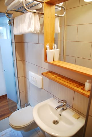 Nomade (Economy double room)in the  best lacation - Fatih - Bed & Breakfast