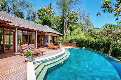 The Grand Bakas Jungle Retreat Villa in Klungkung