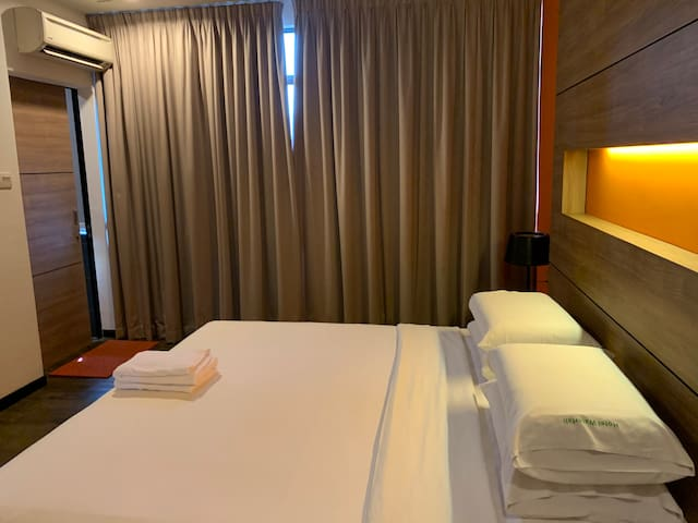 2 Pax Superior Deluxe Room #340 @ Hotel Waterfall