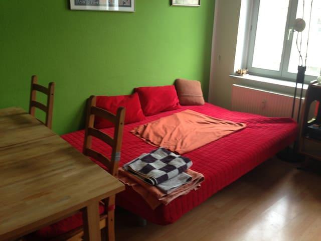 Wohnzimmer mit der Schlafcouch